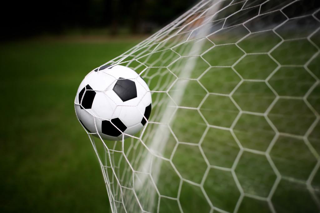 Soccer-Ball-into-Goalpost
