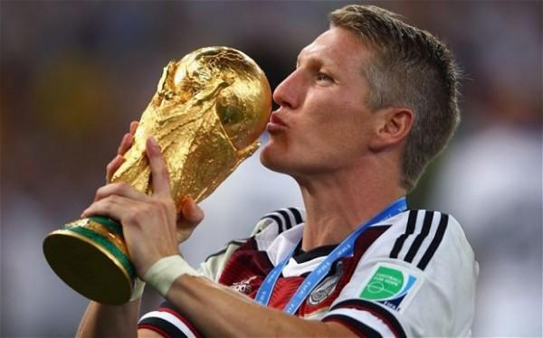 Dortmund Offers Schweinsteiger Singing Lessons